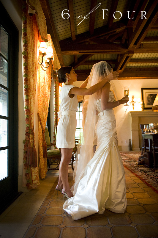 bride_getting_ready_sea_island_cloister